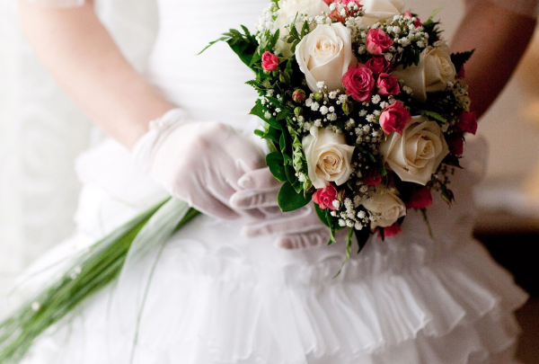 """""""Bridal Sweet Bouquet of White and Pink Roses"""""""