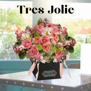 """""""Tres Jolie Boxed Blooms"""""""