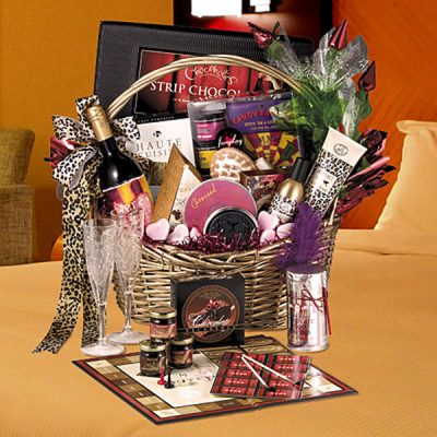 """deluxe romance basket'"