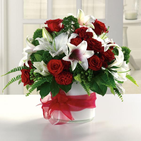 """""""grand garnet bouquet"""""""